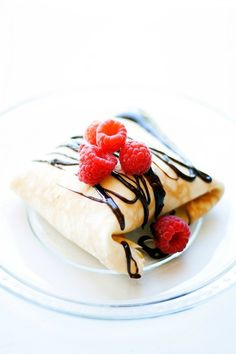 Ice Cream Crepes and 30 second Hot Fudge Sauce #IDelight | heathersfrenchpress.com