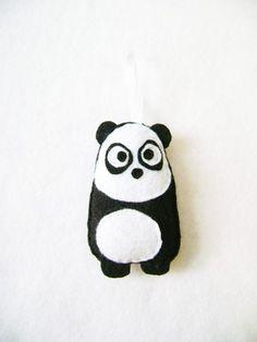 Sentivo Holiday Ornament  Eugene il Panda  su di RedMarionette, $11.50