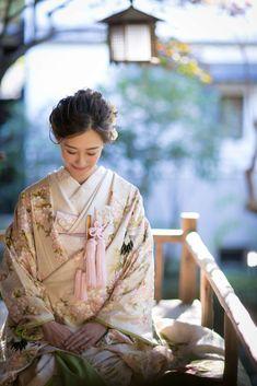 Japanese Geisha, Japanese Beauty, Japanese Kimono, Traditional Wedding Attire, Traditional Outfits, Asian Inspired Wedding, Modern Kimono, Wedding Kimono, Japanese Wedding