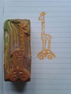 Sello jirafa viajera - made by Pececito Arcoiris