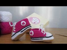 How to crochet baby converse style booties (part 1) - YouTube