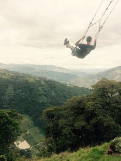 Swinging in Baños