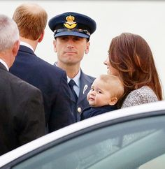 PRIOR TO ARRIVING IN NEW ZEALAND, PRINCE GEORGE AND THE DUKE AND DUCHESS STOPPED IN AUSTRALIA, WHERE THEY CAUGHT A CONNECTING FLIGHT TO WELLINGTON AIRPORT ON APRIL 7.