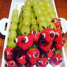 Had fun making these #caterpillar #fruits #grapes #kidsparties #partyfun #partytime #funtime #strawberries #igfun #instafruit  - phisayoade via Instagram on Nov 30, 2015