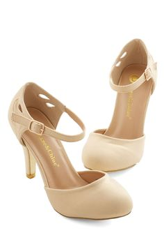 Dreamy Downtown Heel. Adorable go-with-anything nude pumps. Look super comfy, too