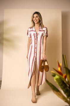 Vestido chemise listrado Mocassim OWME marrom look verao look casual com mocassi. Casual Chic, Look Casual, Casual Dresses, Casual Outfits, Fashion Dresses, Summer Dresses, Chemise Dress, Stripped Dress, Maxi Robes