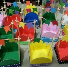 Festa junina Decor Crafts, Diy And Crafts, Crafts For Kids, Baby Birthday, Birthday Parties, Happy June, Diy Y Manualidades, Ideas Para Fiestas, Fiesta Party