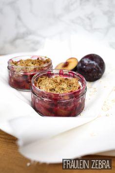Easy plum crumble | Pflaumen Crumble #fraeuleinzebra
