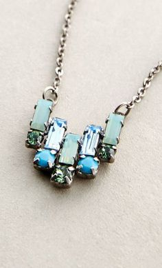 Deco Tilt Necklace