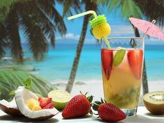 coquetel água de coco  Aprenda a fazer 3 drinks detox com água de coco