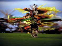 Native American dancing in full dress by Steve thornton ~ exaggerated effect collagedparBILLYLEE