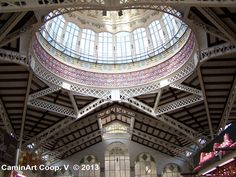 Interior del Mercado Central de Valencia. Modernismo.