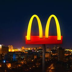 Experiential advertisement created by DPZ&T, Brazil for McDonald's, within the category: Food. Mcdonalds, Nouveau Logo, Advertise Here, Paid Sick Leave, Ad Of The World, Time Images, Marvel, New York Post, Facebook Image