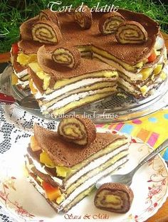 Tort de clatite ~ Culorile din farfurie Waffles, Pancakes, Romanian Food, Home Food, Dessert Recipes, Desserts, Cake Cookies, Sweet Tooth, Food And Drink