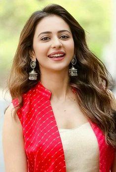 Beautiful Girl Photo, Beautiful Girl Indian, Most Beautiful Indian Actress, Most Beautiful Women, Beautiful Pictures, Indian Bollywood Actress, Beautiful Bollywood Actress, Beautiful Actresses, Indian Actresses