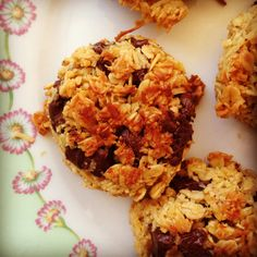 wholesome apple & cinnamon breakfast cookies - my lovely little lunch box Delicious Cookie Recipes, Yummy Cookies, Yummy Food, Oat Chocolate Chip Cookies, Little Lunch, Toddler Snacks, Breakfast Cookies, Healthy Treats, Kids Meals