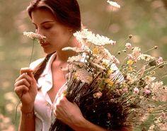 Liv Tyler, still from Stealing Beauty by Bernardo Bertolucci http://www.lagazzettadilucca.it/cultura-e-spettacolo/2012/10/margin-call-e-io-ballo-da-sola-i-prossimi-appuntamenti-con-il-circolo-del-cinema/