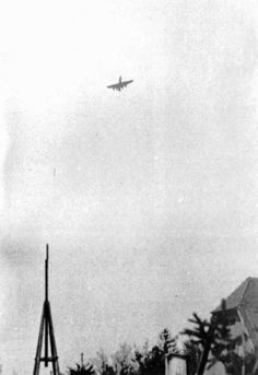 A B-17 G Group 96 bomber to crash near the airport of Merzhausen, after losing the tail section during the attack by German fighters, the May 12, 1944.