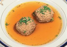 Beef Broth with Liver Dumplings - Austrian recipes Liver Dumplings Recipe, Austrian Cuisine, Main Dishes, Side Dishes, Austrian Recipes, Beef Bones, Fried Onions, Beef Broth, Mashed Potatoes