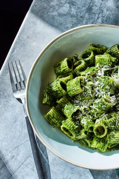 NYT Cooking: This recipe for a vivid, vegetarian pasta sauce, made from blanched kale leaves and loaded with good olive oil and grated cheese.ADD LEMON JUICE, ZEST and CREAM Giada De Laurentiis, Pasta Recipes, Cooking Recipes, Cooking Kale, Chef Recipes, Cooking Tips, Recipies, Kale Pasta, Vegetarian Recipes