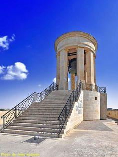 LA VALETTE -  ( Malte ) - Mémorial Bell -