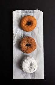 Oak Park's Farmers Market has kicked off their season!  Fruits, vegetables, flowers, and of course every ones favorites - the best donuts in town!