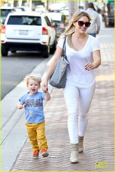 Hilary Duff: It's a Great Universe with Luca! | hilary duff its a great universe with luca 06 - Photo
