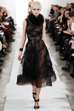 Oscar de la Renta Fall 2014 I know I'm not supposed to wear fur, but..... can I get it in faux fur? Please?