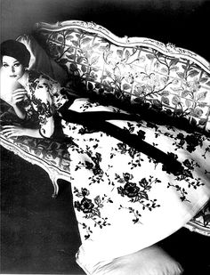 an inspiration image for Lilogi.com, Vintage Couture week, vintage fashion, fashion photography