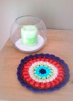 Mandala au crochet napperon forme mandala au crochet made in France : Textiles et tapis par c-comme-celine