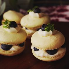 These macarons taste light and fruity. Great to serve with afternoon coffee or tea.