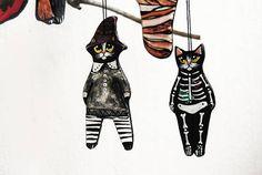Black cat ornament Folk art cat ceramic figurine Halloween Folk Art, Batman, Ceramics, Superhero, Ornaments, Halloween, Unique Jewelry, Handmade Gifts, Cats