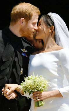 Prince Harry and Meghan Markle tied the knot on May and if you felt a bit of royal déjà vu, you're not alone. While Harry and Meghan's Megan E Harry, Prince Harry Et Meghan, Meghan Markle Prince Harry, Princess Meghan, Meghan Markle Ring, Princess Charlotte, Royal Wedding Harry, Prince Harry Wedding, Harry And Meghan Wedding