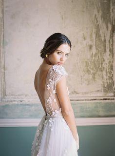 20 Fine Art Wedding Dresses for Stylish Brides Nature Inspired Wedding Gown Open Back Wedding Dress, Wedding Dress Sleeves, Cap Sleeve Wedding, Embroidered Wedding Dresses, Dress Wedding, Bridal Looks, Bridal Style, Minimalist Dress, Dalida