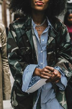 vogue-es-street_style_londres_fashion_week_septiembre_2016_dia_1_847147384_800x