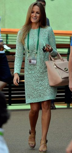 Kim Sears with her Mulberry Willow and Victoria Beckham mint green lace dress x Andy Murray Wife, Kim Murray, Casual Outfits, Cute Outfits, Casual Clothes, Style Me, Cool Style, Green Lace Dresses, Green Suit