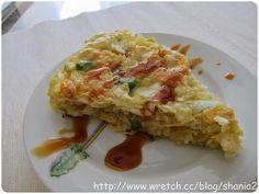 辣媽Shania: 『早餐』高麗菜煎餅麵糊:     低筋麵粉             120g      玉米粉                 40g     開水                     50g     雞蛋                     2顆     鹽巴                    適量     胡椒鹽                適量