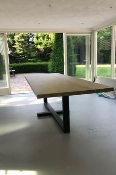 Dinner Tables Furniture, Diy Dining Room Table, Kitchen Table Bench, Dining Table Legs, Modern Dining Table, Patio Table, Home Decor Furniture, Wood Table, Furniture Design