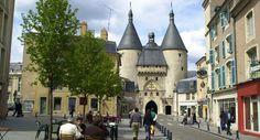 Meurthe-et-Moselle : Nancy : Porte de la Craffe et Grande Rue.