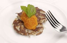 Holiday Recipes: Latkes with Carrot Puree and Pumpkin Pie with Pecan & Walnut Topping http://www.cubbyscruises.com/holiday-recipes-latkes-with-carrot-puree-and-pumpkin-pie-with-pecan-walnut-topping