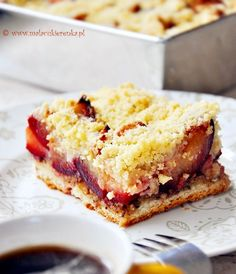 cake with plums and crumble