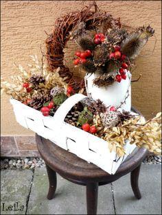 Diy Christmas Lights, Christmas Diy, Christmas Wreaths, Christmas Decorations, Holiday Decor, Fruit Arrangements, Dried Flowers, Grapevine Wreath, Fall Decor