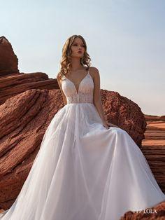 Lola Cathedral Wedding Dress, V Neck Wedding Dress, Ivory Wedding, Wedding Gowns, Bride Look, Nyc Fashion, Ball Gowns, Wedding Styles, Train