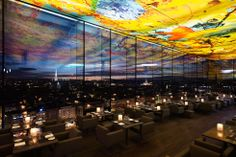 Vista de Viena desde el restaurante Le Loft del hotel Sofitel, obra de Jean Nouvel, con el techo de Pipilotti Rist