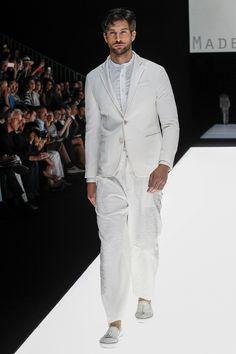 Giorgio Armani Spring 2018 Menswear Collection Photos - Vogue