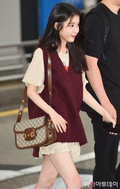 Korean Airport Fashion, Korean Girl Fashion, Blackpink Fashion, Kpop Fashion Outfits, Korean Outfits, Japanese Fashion, Asian Fashion, Fashion Clothes, Fashion Ideas