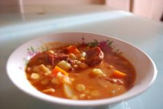 Garbanzos con Chorizo Te enseñamos a cocinar recetas fáciles cómo la receta de Garbanzos con Chorizo y muchas otras recetas de cocina..