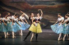"Cerca de 80 bailarinos da Escola do Teatro Bolshoi no Brasil trouxeram a Lajeado o clássico do balé de repertório ""Giselle""."