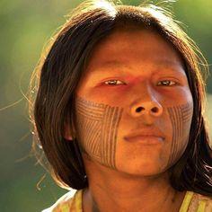 Indígena brasileiro.