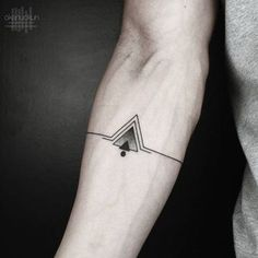 Small Size tattoos are loved by many peoples because these are too tiny and looking very beautiful. Tiny tattoos are now much popular in public. Here we Collected some of the most beautiful tattoos ideas. here take a look for these tattoos. Small Tattoos For Guys, Cool Small Tattoos, Trendy Tattoos, Tattoos For Women, Cool Tattoos, Small Male Tattoos, Male Arm Tattoos, Tatto For Men, Tatoos For Men Arm